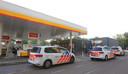 Een man met een steekwapen heeft de Shell in Den Bosch overvallen.