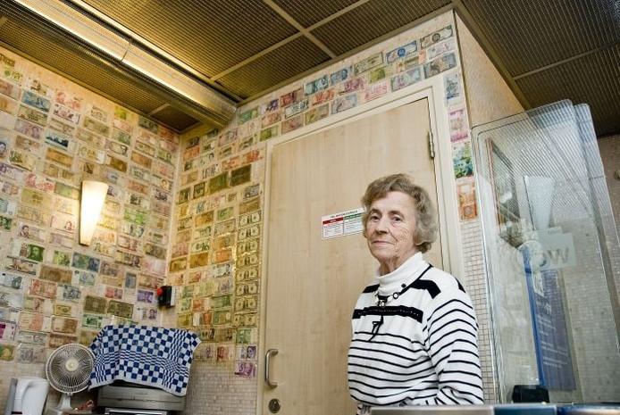 Toos Seffinga in haar Nijmeegse stationstoilet. Foto: Mariska Hofman