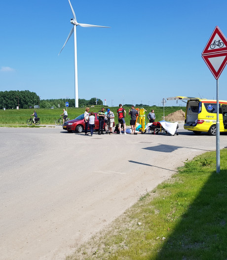 Fietsster gewond na botsing met scooter in Nieuwegein