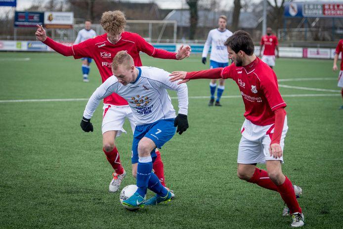 De competitiewedstrijd  Hulzense Boys-Den Ham gaat zaterdag gewoon door nu is gebleken dat  het eerste elftal uit Hulsen helemaal coronavrij is.