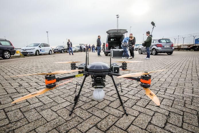 Er werden ook drones ingezet.