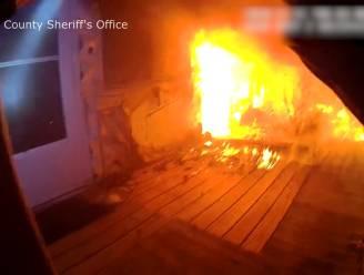 Agent kan 72-jarige vrouw net op tijd redden uit brandend huis