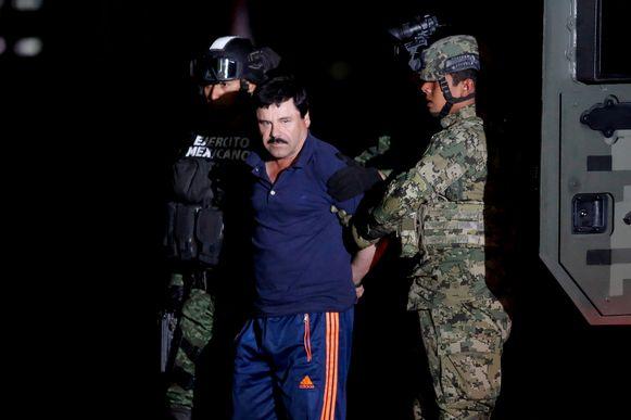 Mexicaanse soldaten escorteren  Javier 'El Chapo' Guzman, foto uit 2016.