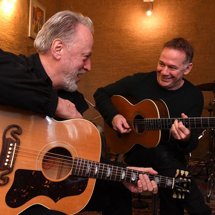 Bart-Jan Baartmans en Jack Poels (Rowwen Hèze) hebben samen een CD gemaakt.