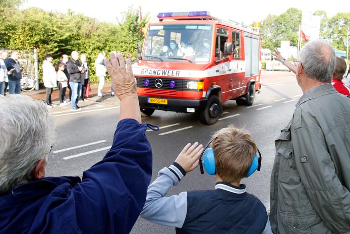 Truckroll in 2017, waarbij zwaaiend en toeterend door Zeeuws-Vlaanderen gereden wordt.