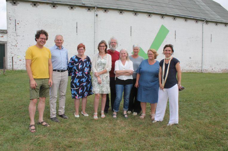 Kunstenaarscollectief Pe-In-Gen heeft zijn kunstwandeling 'Breugeliaanse Streken' voorgesteld. Start- en aankomstplaats ligt aan Bree-Eik, de grootste hoeve van onze regio.