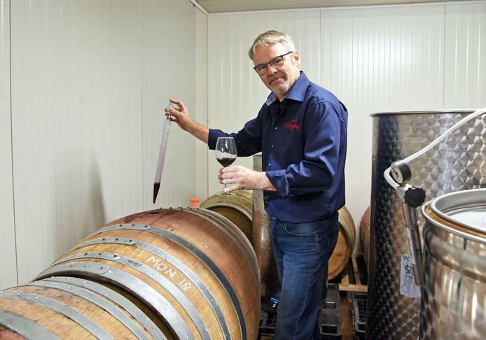Eigenaar Ronald Blomme van wijngaard 't Biezenhof.