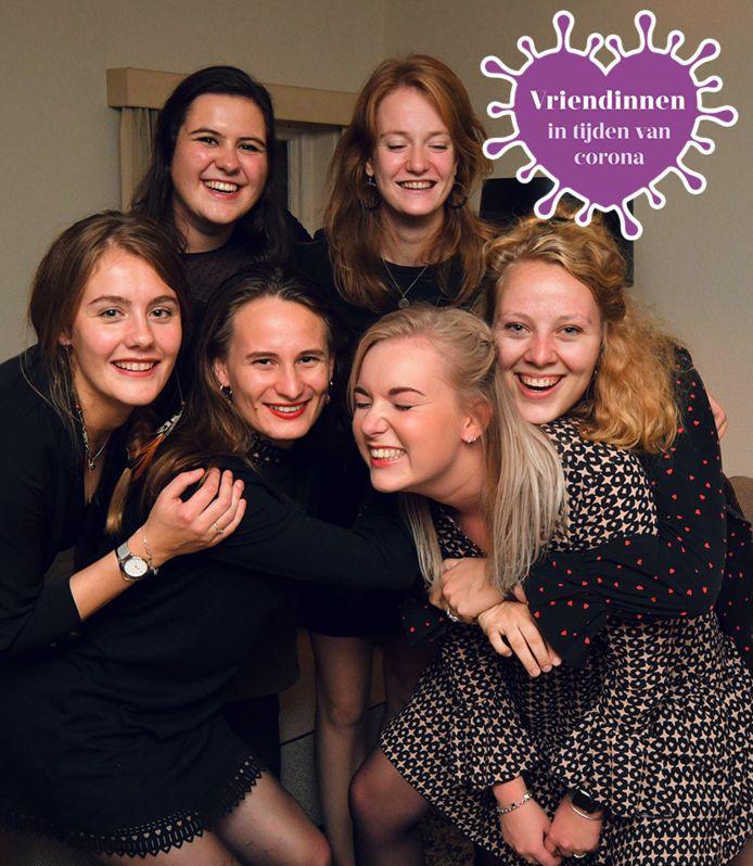 De vriendinnengroep die Tubantia de komende tijd volgt in een serie over jongeren in coronatijd. Vlnr: Anouk, Sophie, Loes, Marel, Margriet en Celeste. Ook Ank doet mee aan de serie.
