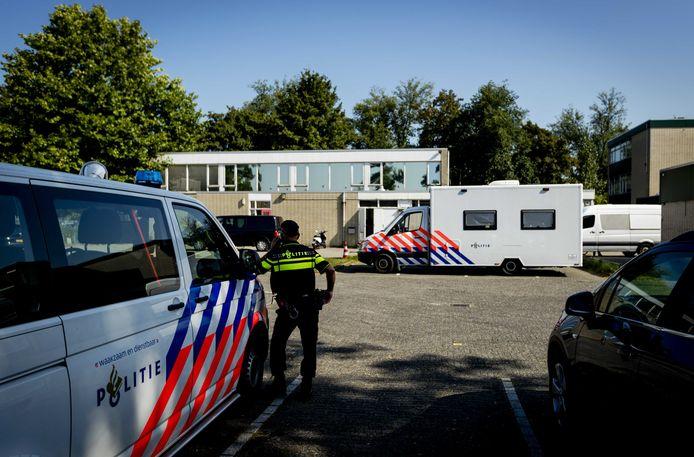 De FIOD viel op 8 september vorig jaar binnen bij moskee alFitrah in Utrecht omdat het Openbaar Ministerie vermoedens van witwassen had. Ook in Tilburg werd een inval gedaan.