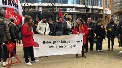 """Sociale sector uit onvrede over besparingen aan kabinet Wouter Beke: """"Sociaal werk, niet te koop"""""""