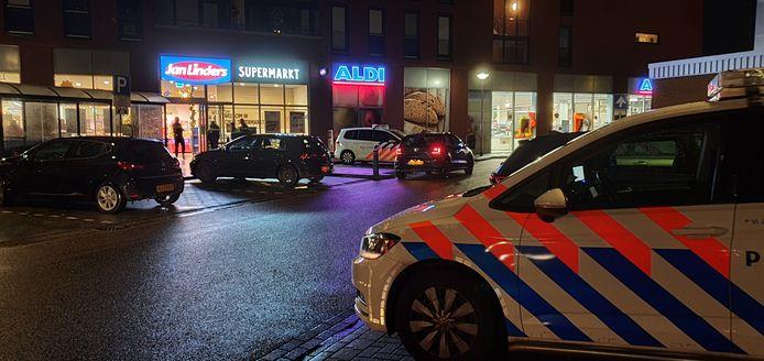 Politie onderzoekt de overval op supermarkt Jan Linders in Wijchen.