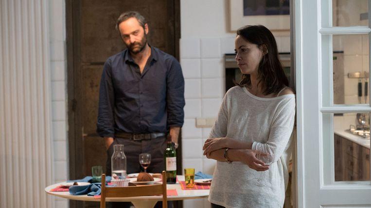 Cédric Kahn en Bérénice Bejo in L'économie du couple van Joachim Lafosse. Beeld