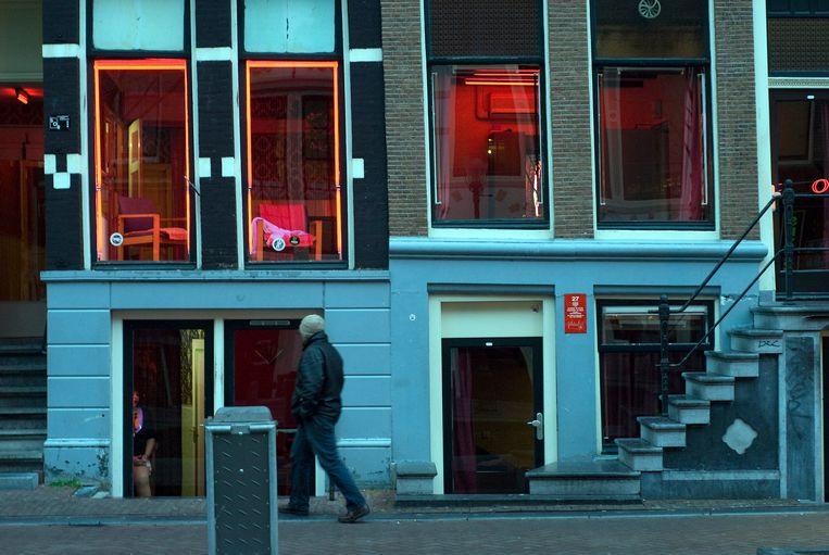 Prostitutie op de Wallen Oudezijds Achterburgwal in Amsterdam Beeld Herman Wouters