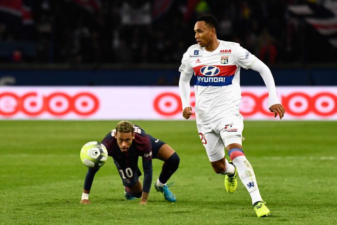 Neymar en Kenny Tete.