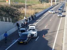 Vier auto's op elkaar gebotst op N261 bij Waalwijk