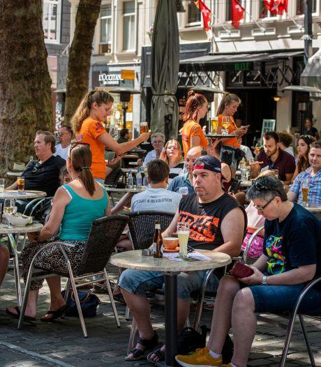 Napraten over eerste terrasdag Breda: 'Dit is voor 99 procent goed gegaan'