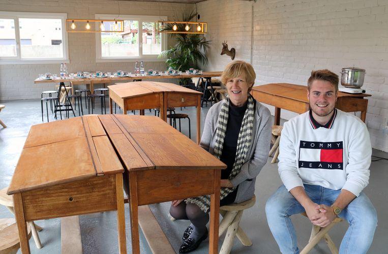Directrice Els Van Winckel en leerkracht Jonas Lemmens.