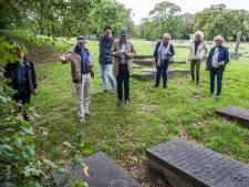 Joodse begraafplaats onthult ondanks Duitse bezetters nog steeds geheimen