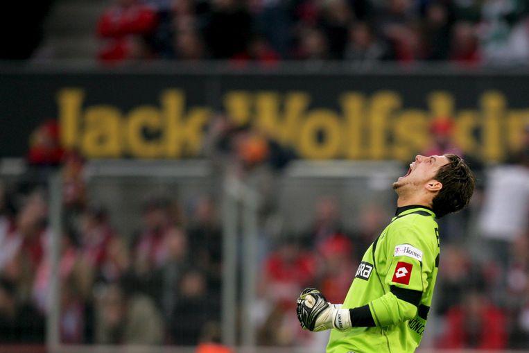 Logan Bailly schreeuwt het uit. Zijn club Mönchengladbach heeft zonet met 2-4 gewonnen van FC Köln.