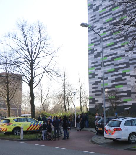 Persoon van flat gevallen in Ede: overleden aan zijn verwondingen