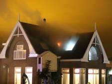 Flinke zolderbrand aan de Woudseweg in Den Hoorn in het holst van de nacht