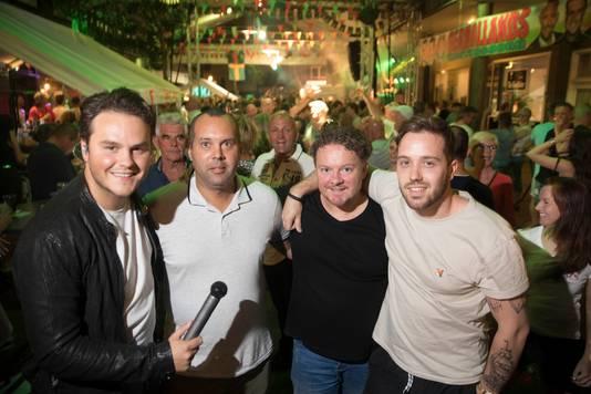 Gertjan Wels (tweede van rechts), met Henk Dissel (helemaal links) en de andere ondernemers in Wintersoord.
