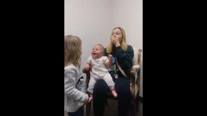 Een week goed nieuws: Scarlet (11 maanden) kan eindelijk horen en andere verhalen die je blij maken