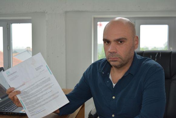 Slachtoffer Karim M'Hedhebi is verbolgen over de brief die hij kreeg in naam van Kevin Goeman. Daarin vraagt het lid van RAW13 vanuit de gevangenis een gesprek aan met Karim.