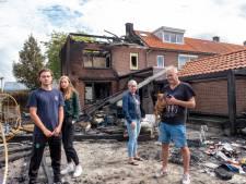 Jan (55) heeft na brand in Wezep niets meer en neemt het op voor de 'rellende' jongeren: 'Ik ben ze juist dankbaar'