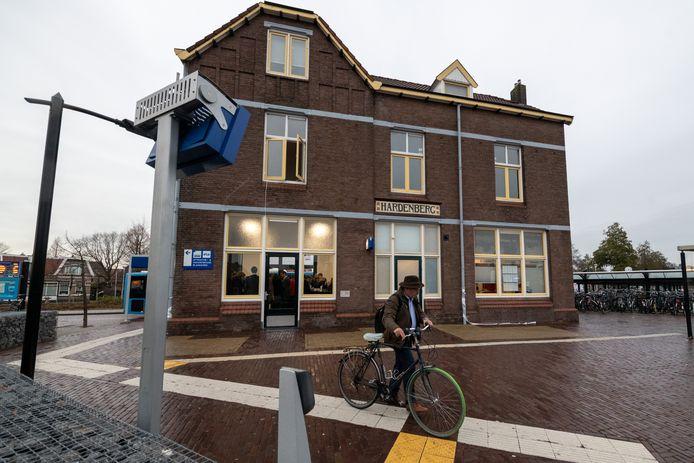 Het station Hardenberg zou één van de halteplaatsen worden bij de rechtstreekse spoorverbinding tussen Enschede en Groningen.