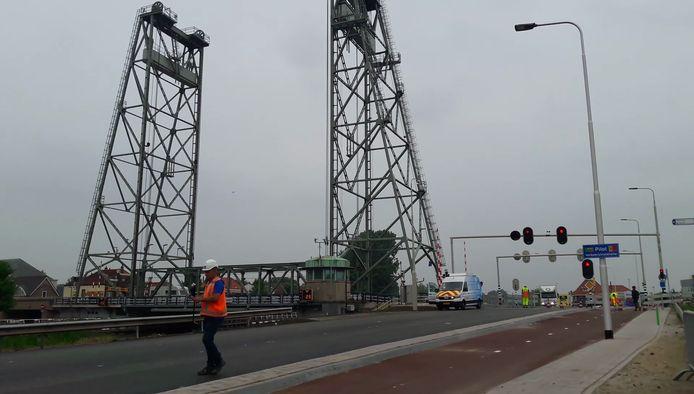 De hefbrug in Waddinxveen wordt mogelijk verboden voor vrachtwagens.