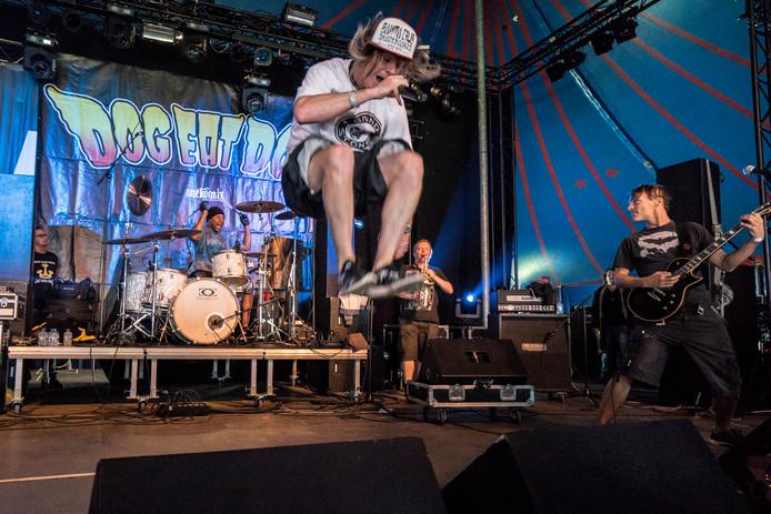 Dog Eat Dog eerder dit jaar op een festival in Rotterdam