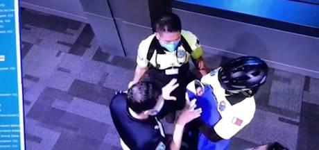 Qatar gaat personeel luchthaven vervolgen voor inwendig onderzoek bij passagiers in zaak vondeling