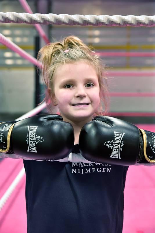 Nijmeegse Georgina in de boksring.