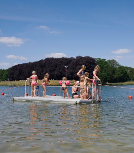 Een duik nemen in natuurwater? Dit is waar je op moet letten