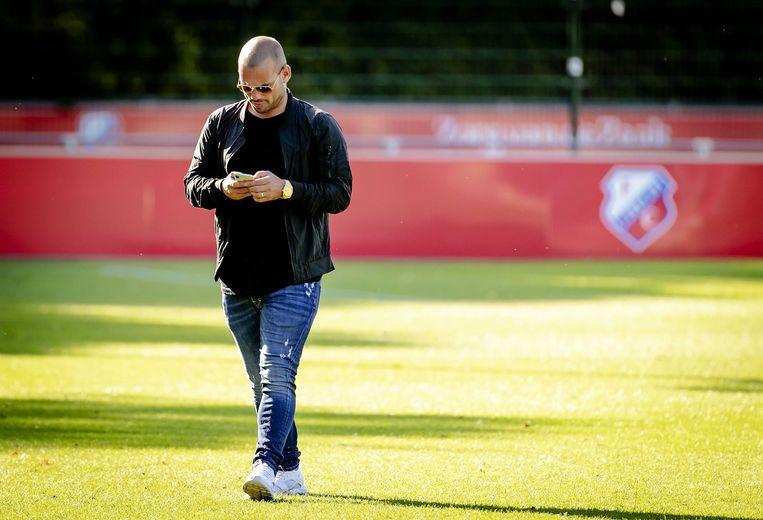 Wesley Sneijder tijdens een oefenwedstrijd van DHSC tegen Al-Gharafa. De club uit Qatar is uitgenodigd door Sneijder, die daar voetbalde. Beeld ANP