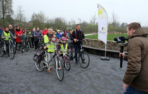 Nijlen organiseerde zaterdag geen 'flashmob' maar een 'fietsmob' in het Beekpark.