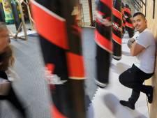 Pest-patronen doorbreken tijdens de zelfverdedigingstraining