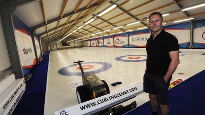 Curlinghal geeft club fikse boost