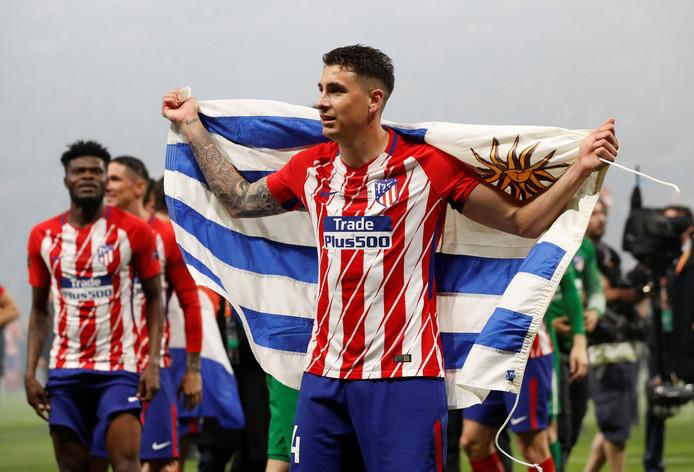 Jose Maria Gimenez met de Uruguayaanse vlag.