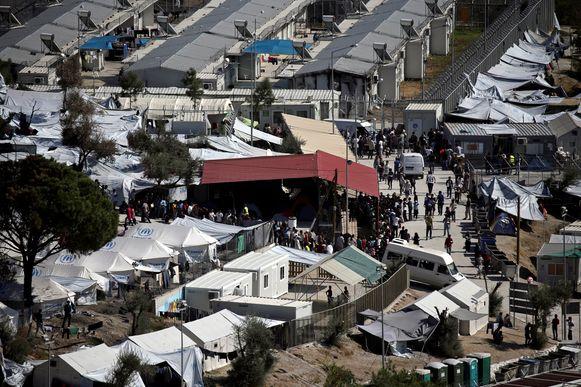 Op dit moment zijn er op de Egeïsche eilanden al 20.000 vluchtelingen en migranten ondergebracht, zo meldt het Griekse ministerie van Migratie. De situatie wordt steeds kritischer en is het ergst in het kamp Moria op Lesbos.