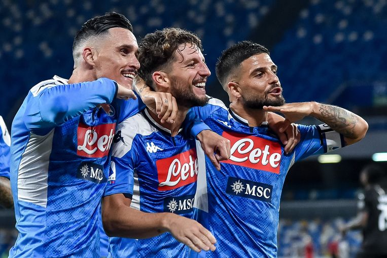 De tridente van Napoli aan het feest na de 2-1: Callejon, Mertens en Insigne.