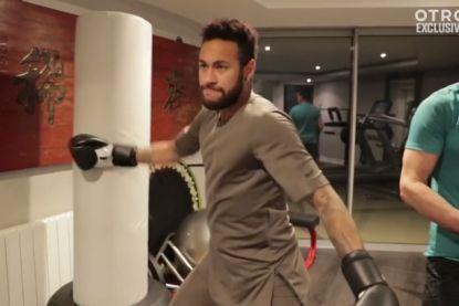 Neymar werkt zich in het zweet tijdens revalidatie