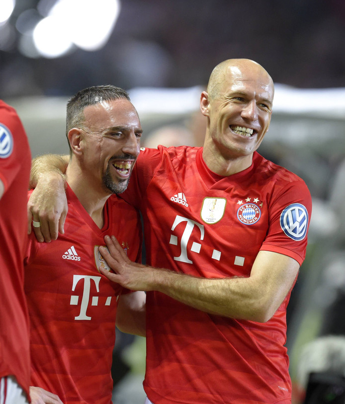 Robben met Frank Ribéry, die ook afzwaait bij Bayern München.
