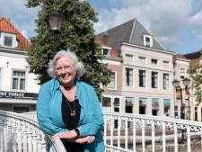 Boeken streekromanschrijfster Gerda van Wageningen 25 miljoen keer uitgeleend: 'Ik kan plezierig leven van de pen'