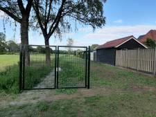 Hekken in Kruidenwijk verwijderd, poort (nog) niet