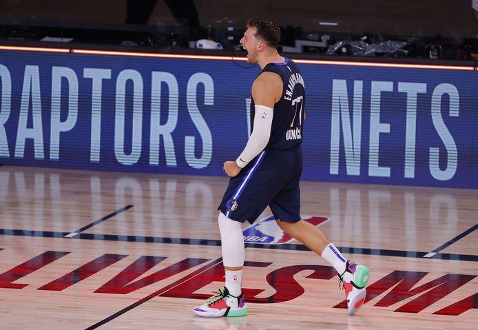 Un trois points qui tombe à pic: Luka Doncic ramène les Dallas à hauteur des Clippers.