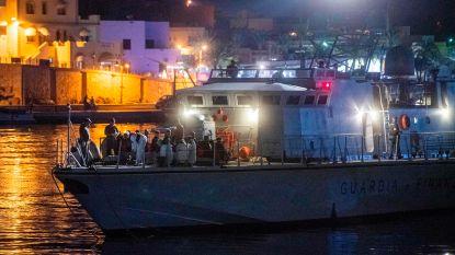Eerste migranten aan land gegaan sinds nieuwe Italiaanse regering aan de macht is