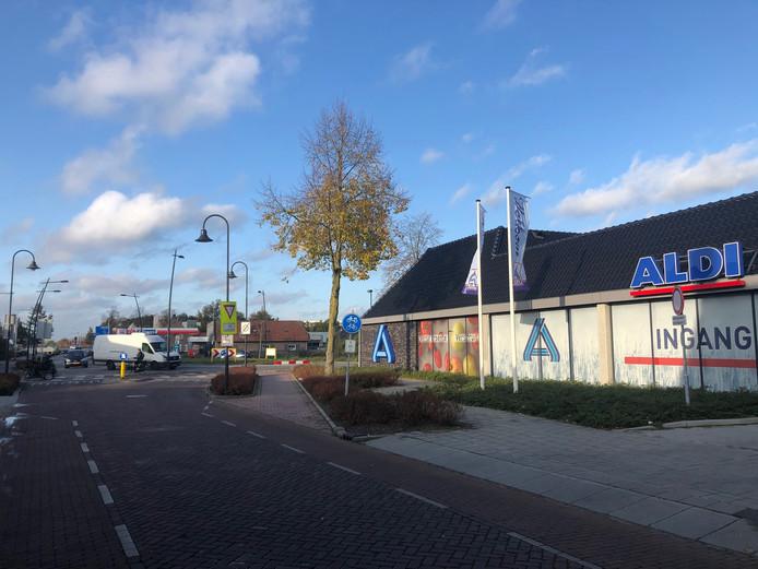 De Aldi-supermarkt aan de Bitswijk in Uden. Volgens de rechtbank had Uden nooit een vergunning voor deze locatie mogen afgeven.