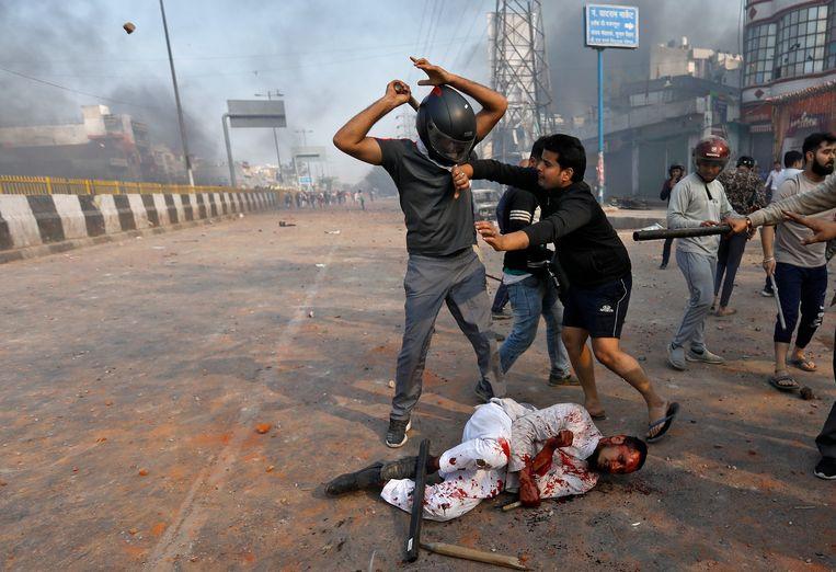 Geweld in New Delhi. Beeld Danish Siddiqui / Reuters